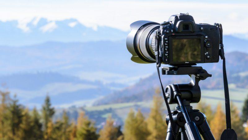 Kabelsökare og kamera